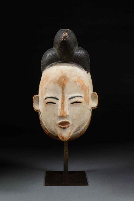 Máscara Mukudji - Cultura punu. Área del río Ogooué (Gabón)