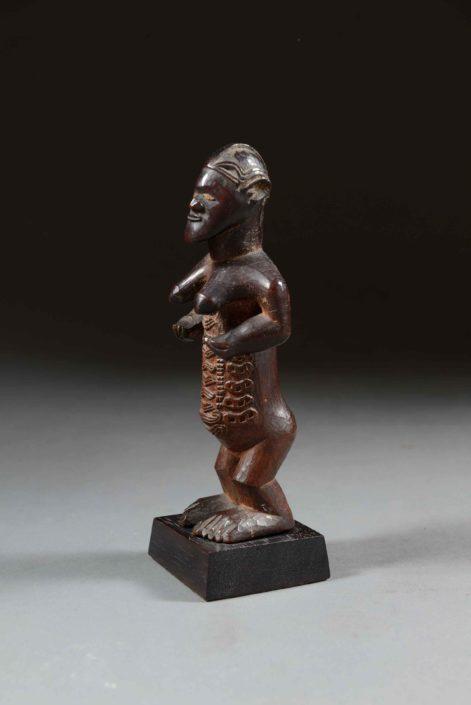 Relicario con figura femenina - Cultura bembe (R.D. Congo)